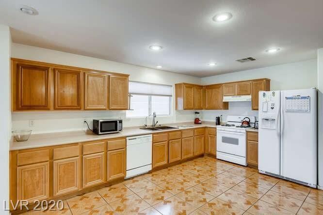 Photo of 186 Sandhill Crane Avenue, Henderson, NV 89002 (MLS # 2235588)