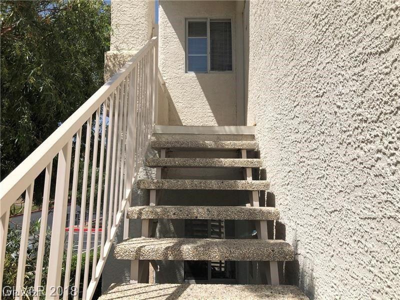Photo of 75 VALLE VERDE Drive #2121, Henderson, NV 89074 (MLS # 2145589)