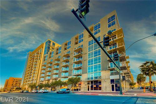 Photo of 353 Bonneville Avenue #910, Las Vegas, NV 89101 (MLS # 2271595)