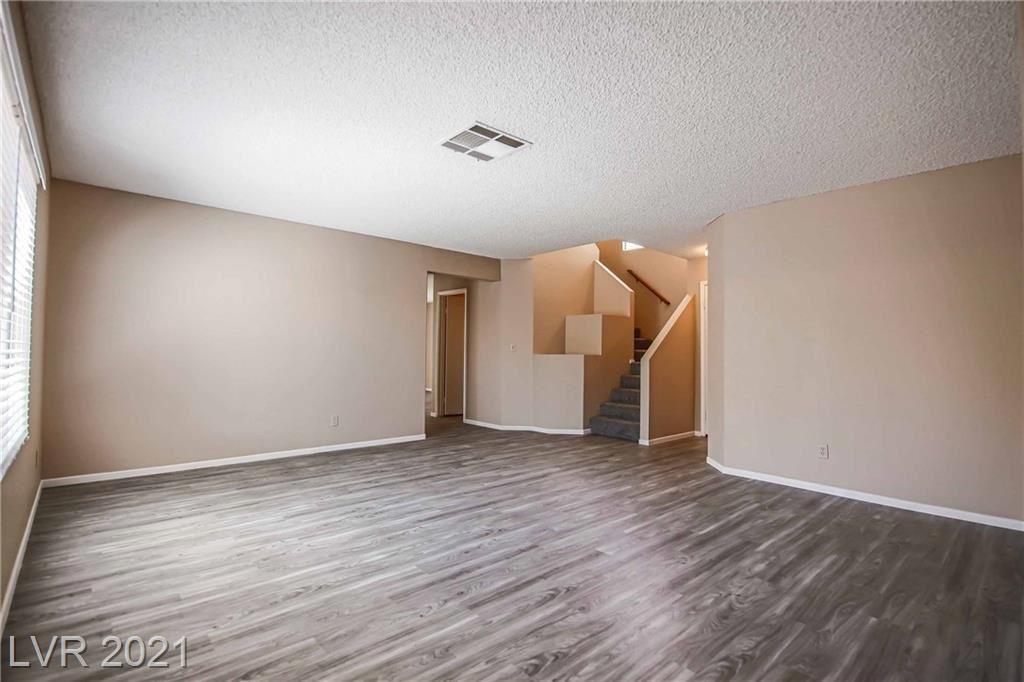 Photo of 2037 Waverly Circle, Henderson, NV 89014 (MLS # 2304605)