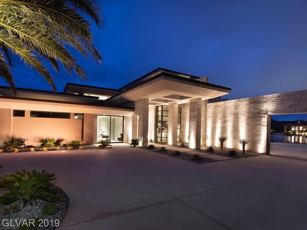 Photo of 23 SUMMER HOUSE Drive, Henderson, NV 89011 (MLS # 2080616)