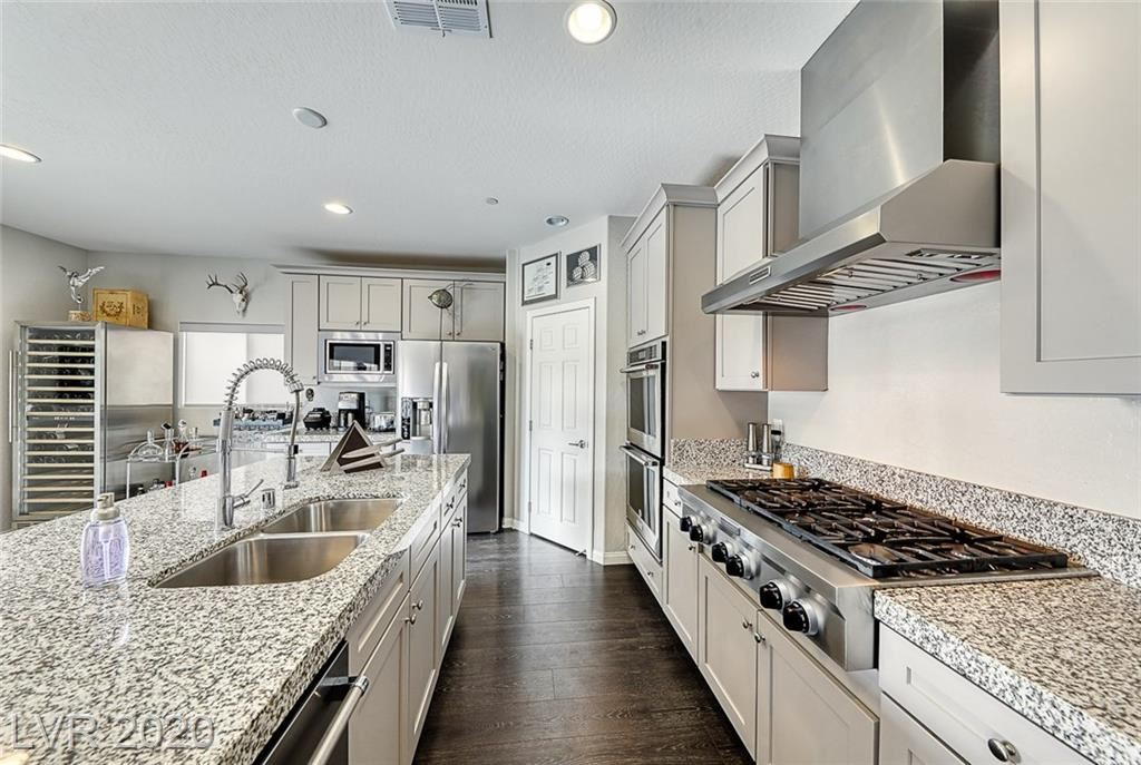 Photo of 7 Via Dolcetto, Henderson, NV 89011 (MLS # 2185618)