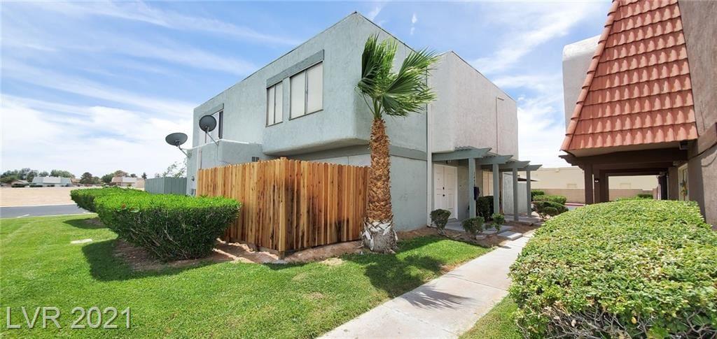 Photo of 3496 Villa Knolls North Drive, Las Vegas, NV 89120 (MLS # 2303634)