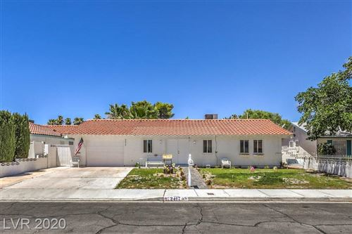 Photo of 2417 Vista Colina Street, Henderson, NV 89014 (MLS # 2210655)