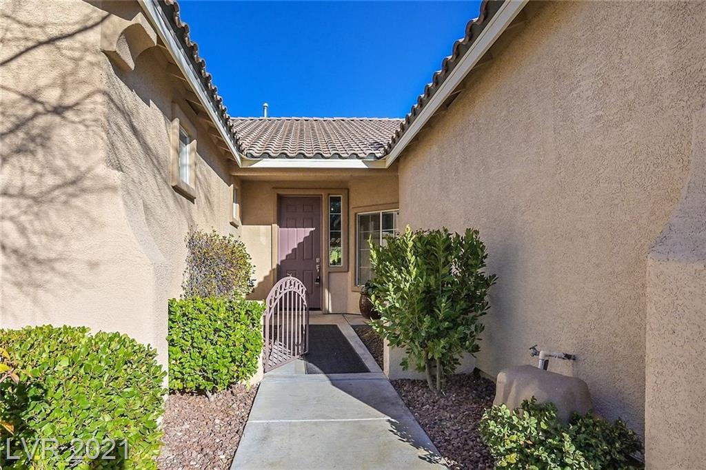 Photo of 2850 GALLANT HILLS Drive, Las Vegas, NV 89135 (MLS # 2273669)