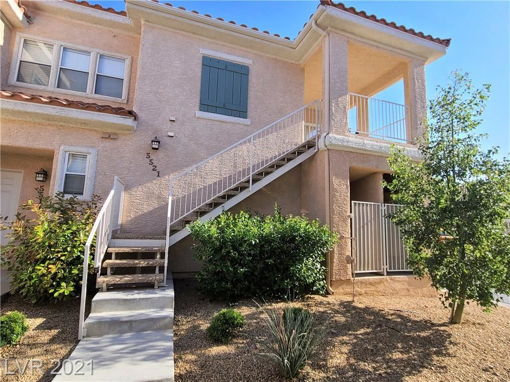 Photo of 251 Green Valley Parkway #5521, Henderson, NV 89012 (MLS # 2287673)