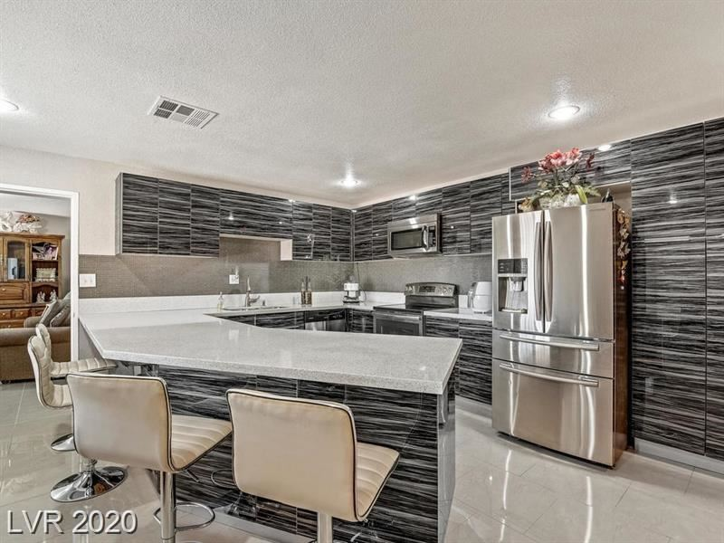 Photo of 5807 Madre Mesa, Las Vegas, NV 89108 (MLS # 2201697)