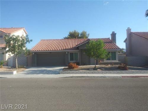 Photo of 1420 Desert Ridge Avenue, North Las Vegas, NV 89031 (MLS # 2328699)
