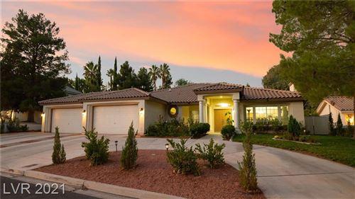 Photo of 9908 Robin Oaks Drive, Las Vegas, NV 89117 (MLS # 2264736)