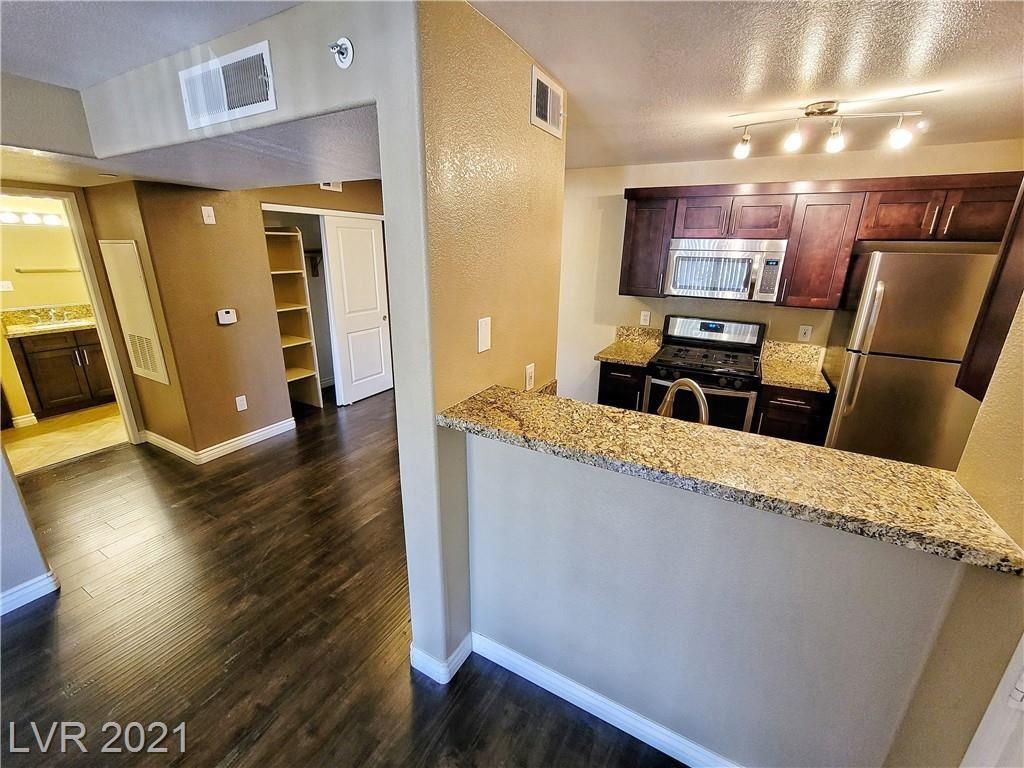 Photo of 950 Seven Hills Drive #2914, Henderson, NV 89052 (MLS # 2283742)