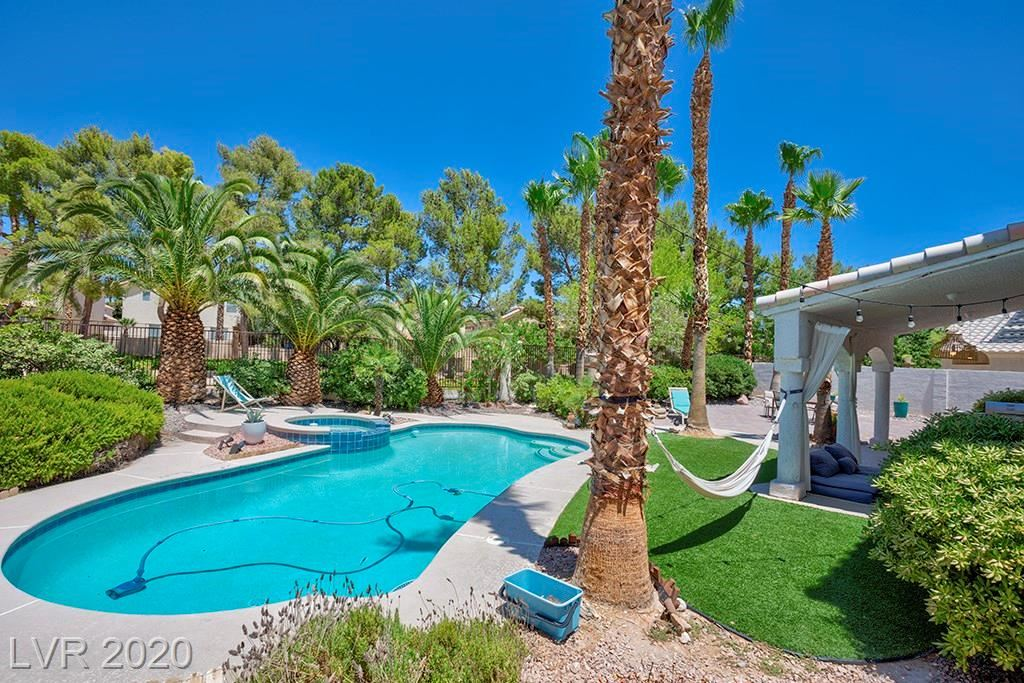 Photo of 9344 Sienna Vista Drive, Las Vegas, NV 89117 (MLS # 2210753)