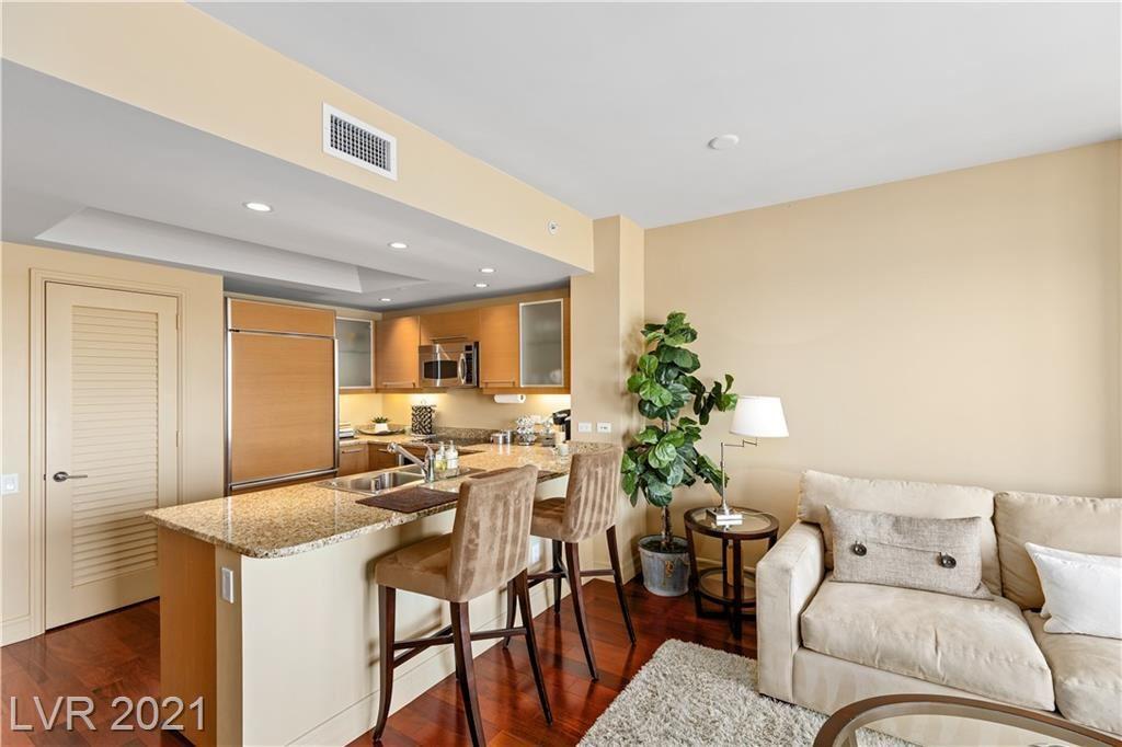 Photo of 322 Karen Avenue #1806, Las Vegas, NV 89109 (MLS # 2291762)