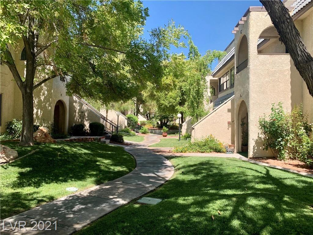 Photo of 1406 Santa Margarita Street #B, Las Vegas, NV 89146 (MLS # 2228803)