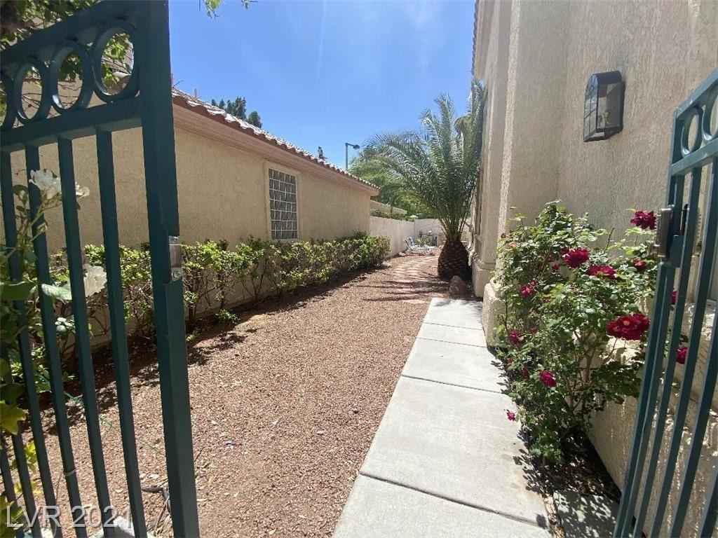 Photo of 9361 Pitching Wedge Drive, Las Vegas, NV 89134 (MLS # 2288804)