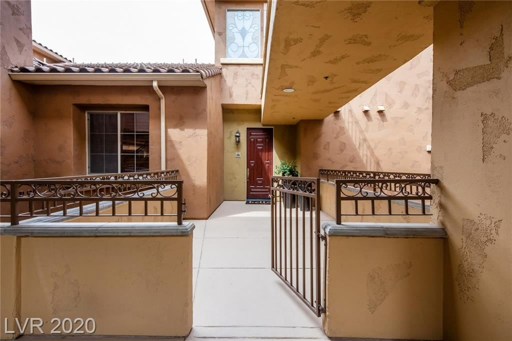Photo of 15 Via Mantova #306, Henderson, NV 89011 (MLS # 2221805)