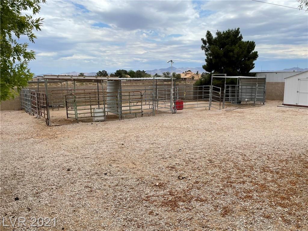 Photo of 5325 West Shelbourne Avenue, Las Vegas, NV 89139 (MLS # 2307824)