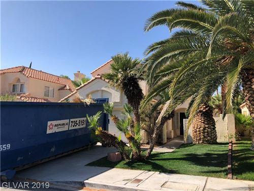 Photo of 9221 KENTUCKY OAKS Drive, Las Vegas, NV 89117 (MLS # 2042837)
