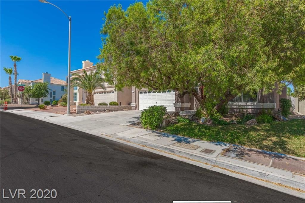 Photo of 23 bishopsgate Terrace, Henderson, NV 89074 (MLS # 2209841)