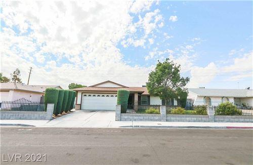 Photo of 6909 Old Castle Drive, Las Vegas, NV 89108 (MLS # 2333846)