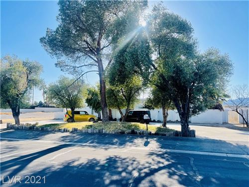 Photo of 824 Lacy Lane, Las Vegas, NV 89107 (MLS # 2282851)