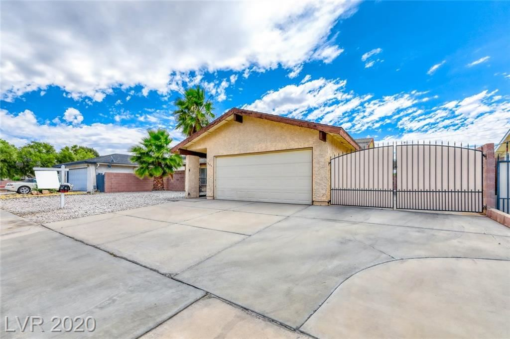 Photo of 655 Otono Dr, Boulder City, NV 89005 (MLS # 2202851)