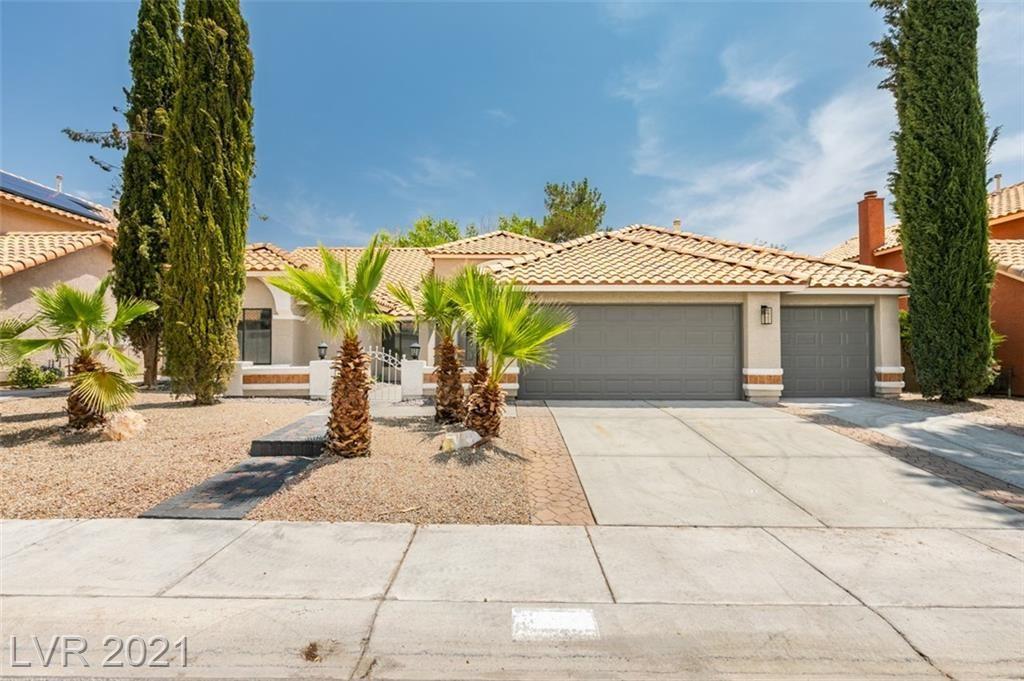 Photo of 3140 Pelican Beach Drive, Las Vegas, NV 89117 (MLS # 2316864)