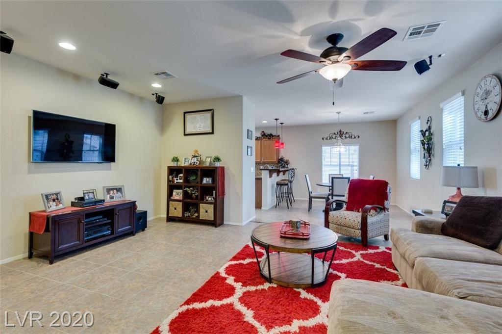 Photo of 916 Heritage Cove Drive, Henderson, NV 89011 (MLS # 2233871)