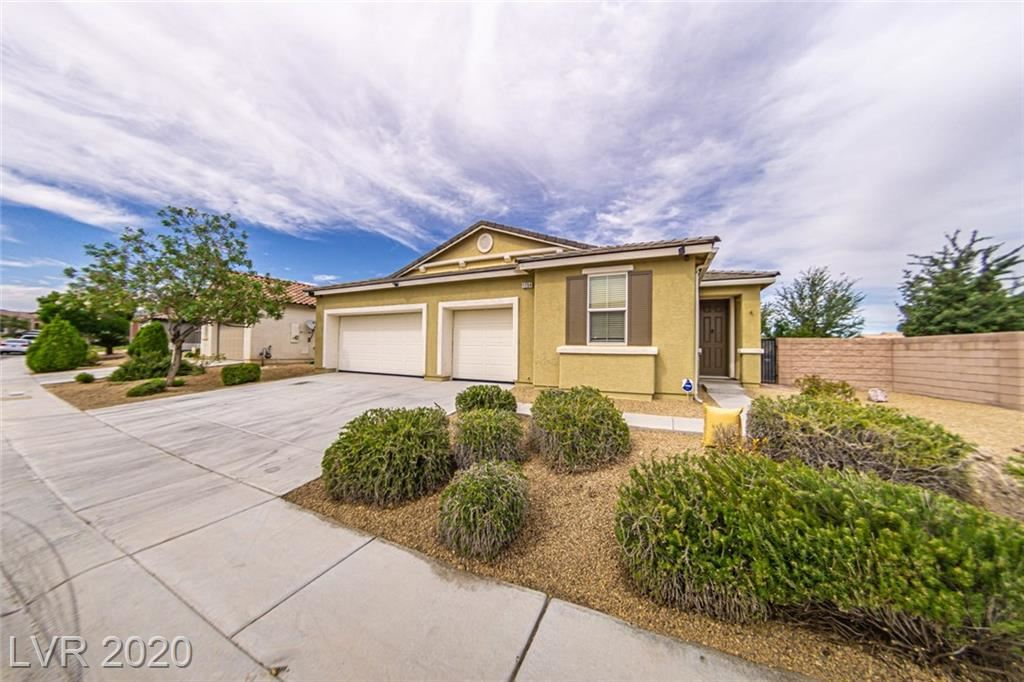 Photo of 1754 BLUFF HOLLOW Place, North Las Vegas, NV 89084 (MLS # 2207874)
