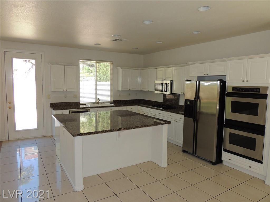 Photo of 1672 Ravanusa Drive, Henderson, NV 89052 (MLS # 2290916)