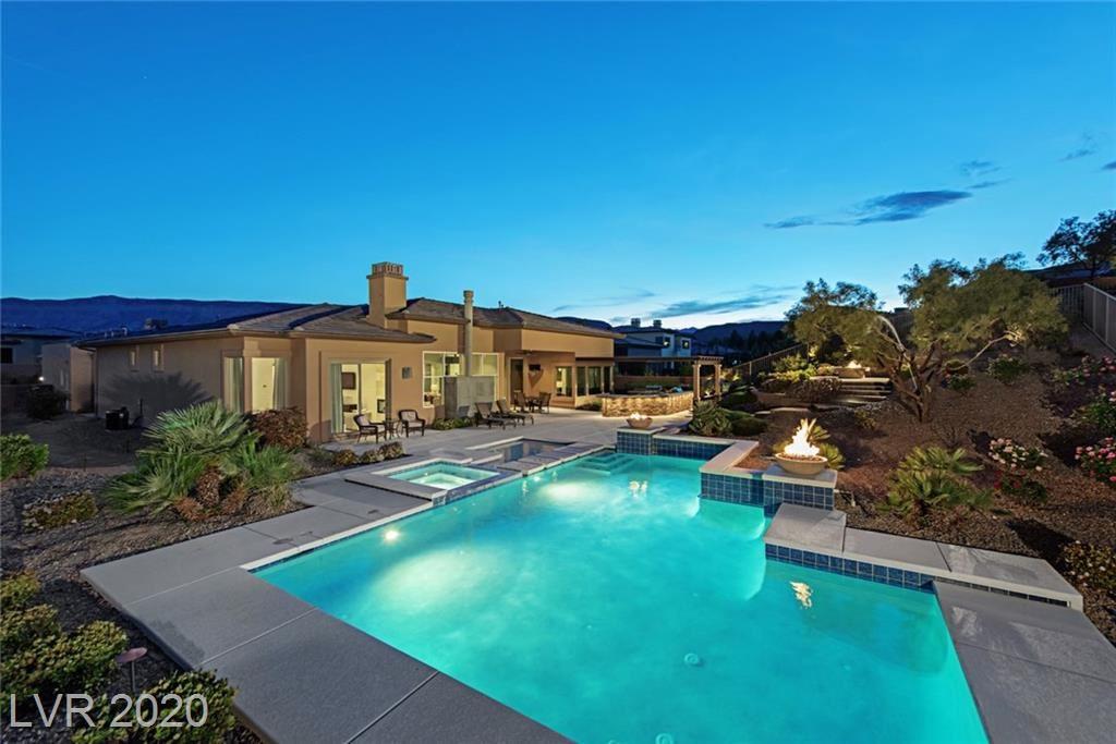 Photo of 4 LOOKOUT RIDGE Drive, Las Vegas, NV 89135 (MLS # 2185937)