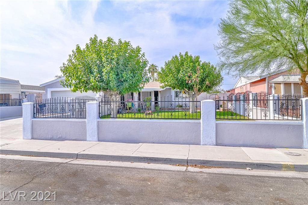 Photo of 1105 Bull Run Avenue, North Las Vegas, NV 89030 (MLS # 2317941)