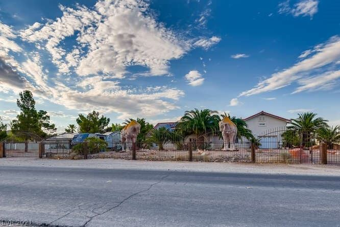 Photo of 7120 West Landberg Avenue, Las Vegas, NV 89178 (MLS # 2316960)