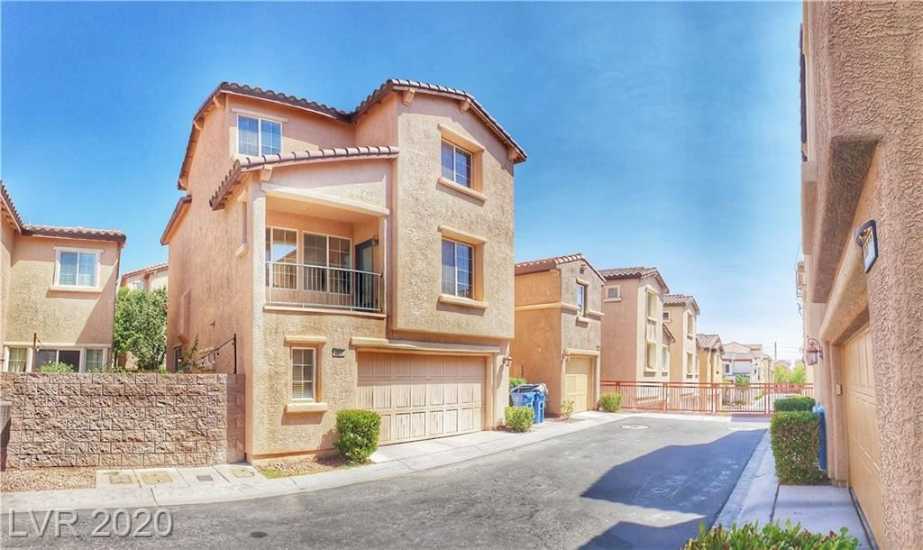 Photo of 2000 Hollywell Street, Las Vegas, NV 89135 (MLS # 2230965)