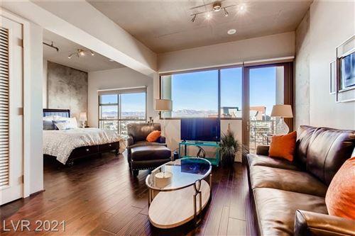 Photo of 353 East BONNEVILLE Avenue #622, Las Vegas, NV 89101 (MLS # 2315975)