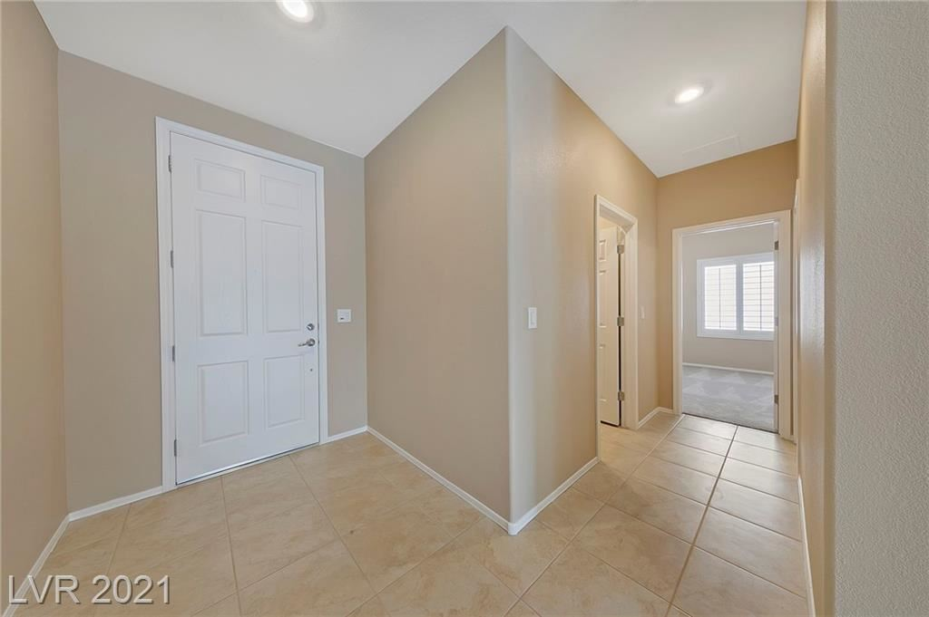 Photo of 2373 Canyonville Drive, Henderson, NV 89044 (MLS # 2334980)