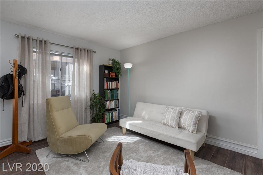 Photo of 3676 Villa Knolls East Drive, Las Vegas, NV 89120 (MLS # 2238983)