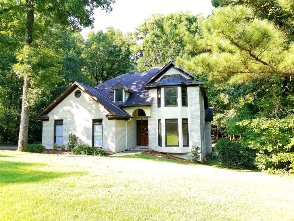 Photo for 1588 OAK HILL COURT, AUBURN, AL 36832 (MLS # 140285)