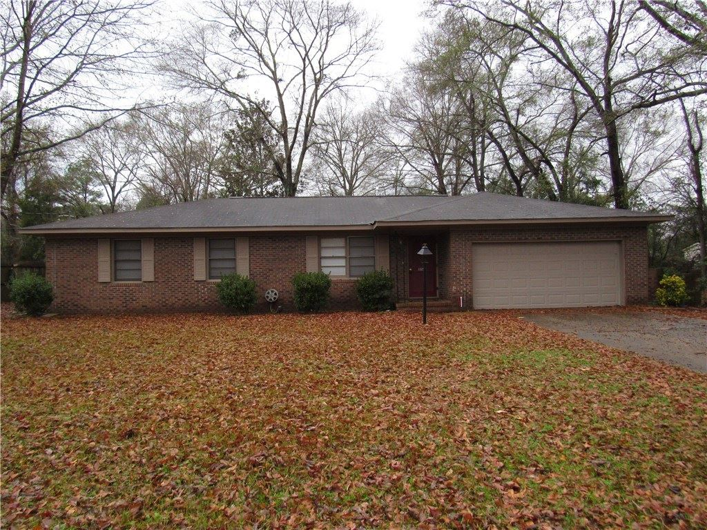 106 S AKIN Drive, Tuskegee, AL 36083 - #: 143586