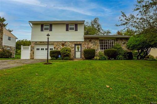 Photo of 1280 Stonewood Drive, Hanover Township, PA 18017 (MLS # 679207)