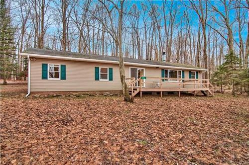 Photo of 2104 Totem Trail, Tobyhanna Township, PA 18347 (MLS # 599406)