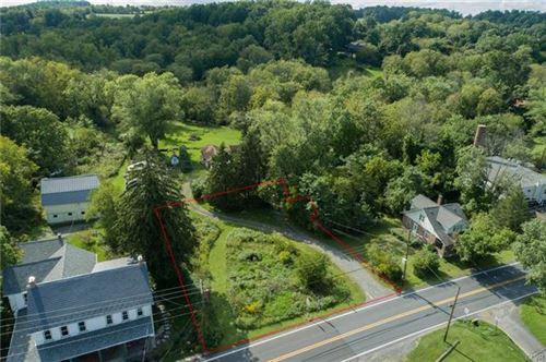 Photo of 1481 Limeport PIKE, Lower Milford Township, PA 18036 (MLS # 678874)