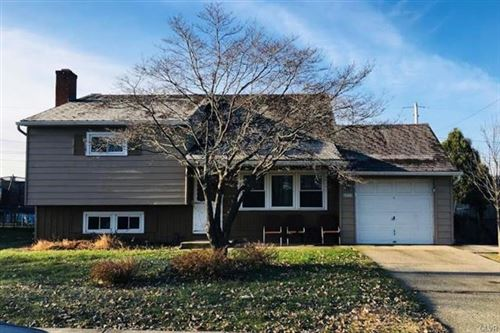 Photo of 2033 Country Place, Bethlehem, PA 18018 (MLS # 628958)