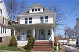 Photo of 139 Hickman Street W, Winchester, KY 40391 (MLS # 1807284)