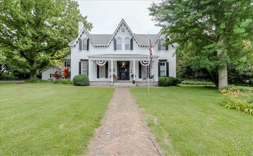 Photo of 233 Rose Hill, Versailles, KY 40383 (MLS # 20112828)