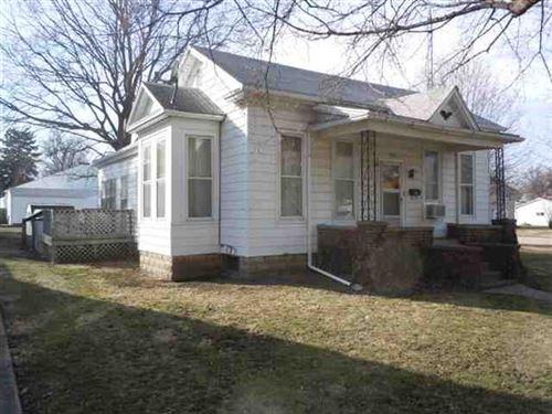 Photo of 320 N Lafayette Street, Mt Pulaski, IL 62548 (MLS # 20120095)