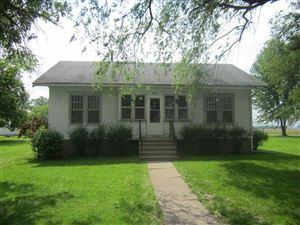 Photo of 208 N Hayes, Easton, IL 62633 (MLS # 20170290)