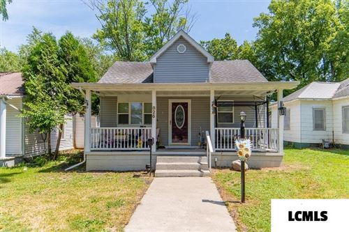 Photo of 826 Clinton Street, Lincoln, IL 62656 (MLS # 20200357)