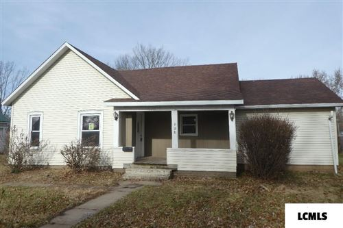 Photo of 608 W Chestnut Street, Mason City, IL 62664 (MLS # 20190645)