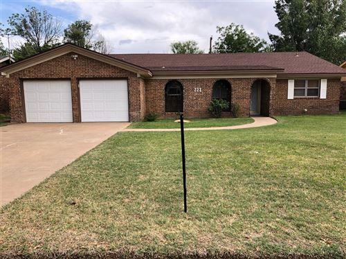 Photo of 221 Sandalwood Lane, Levelland, TX 79336 (MLS # 202008024)