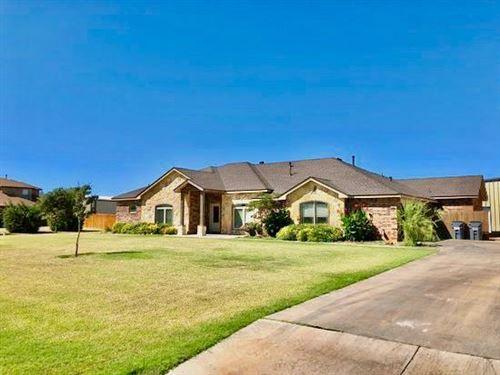 Photo of 15306 County Road 2160, Lubbock, TX 79423 (MLS # 202009062)